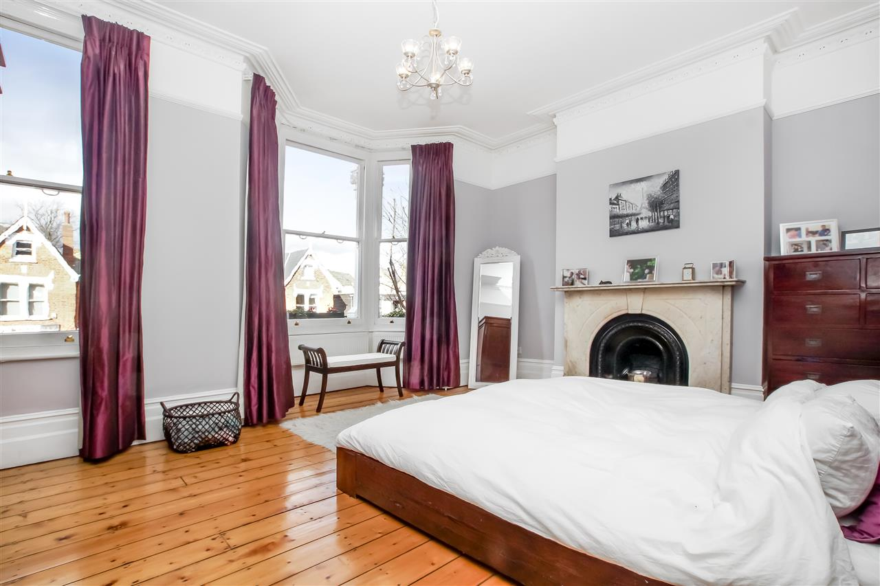 5 bed house for sale in Mercers Road, London 7