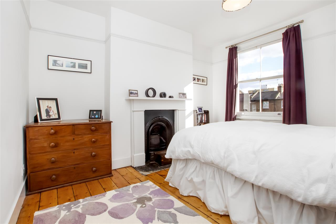 5 bed house for sale in Mercers Road, London 9