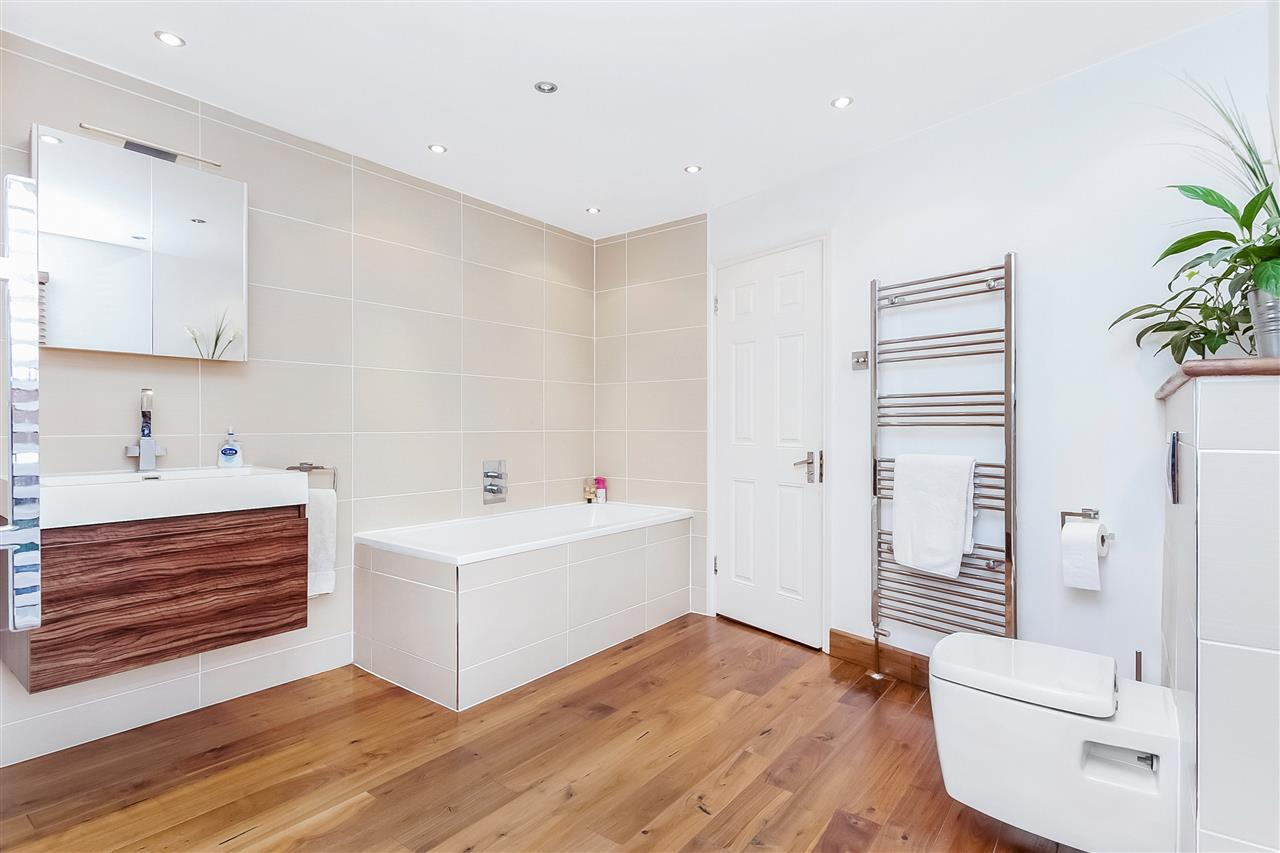 3 bed house for sale in Tytherton Road, London 11