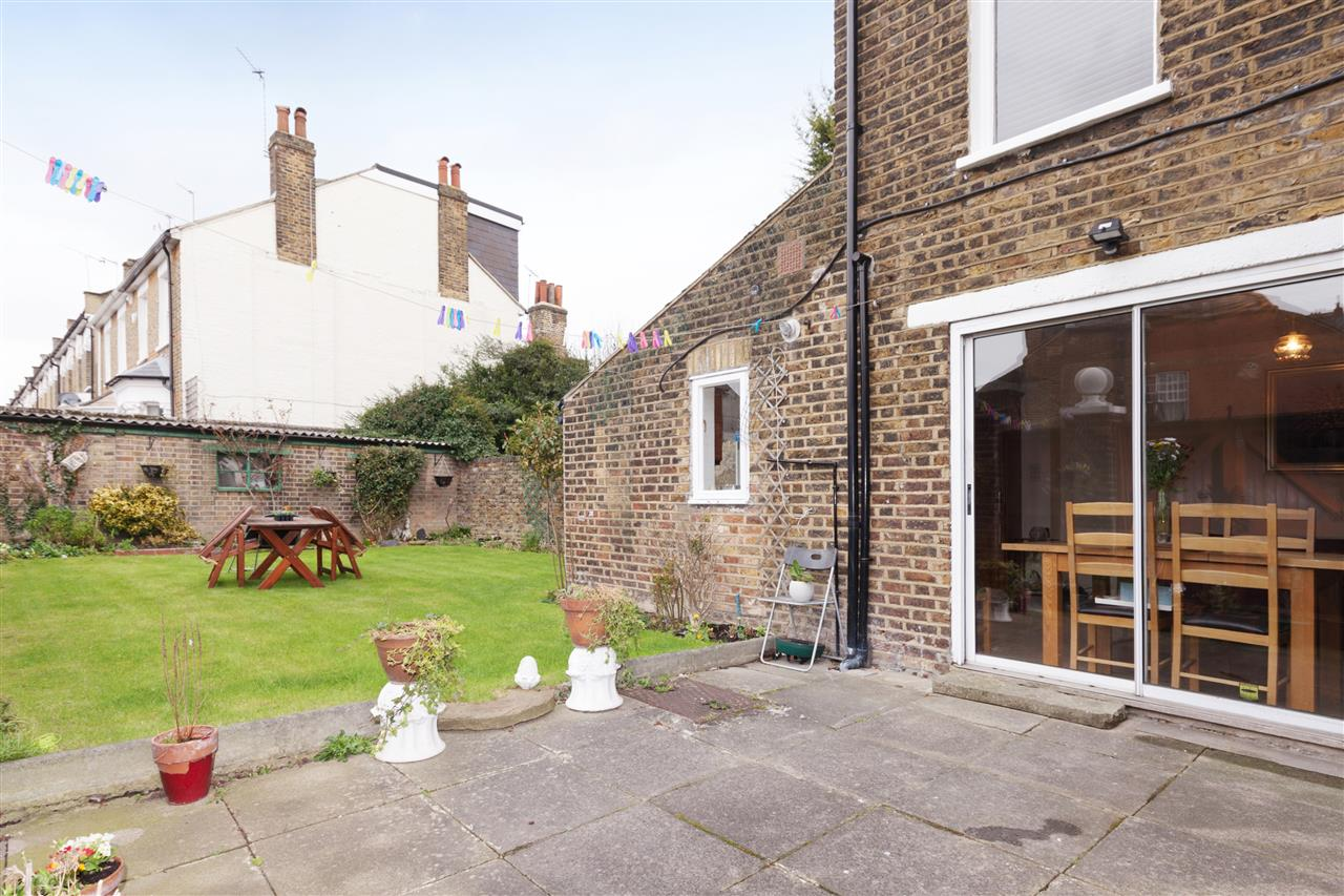 3 bed house for sale in Tytherton Road, London 14