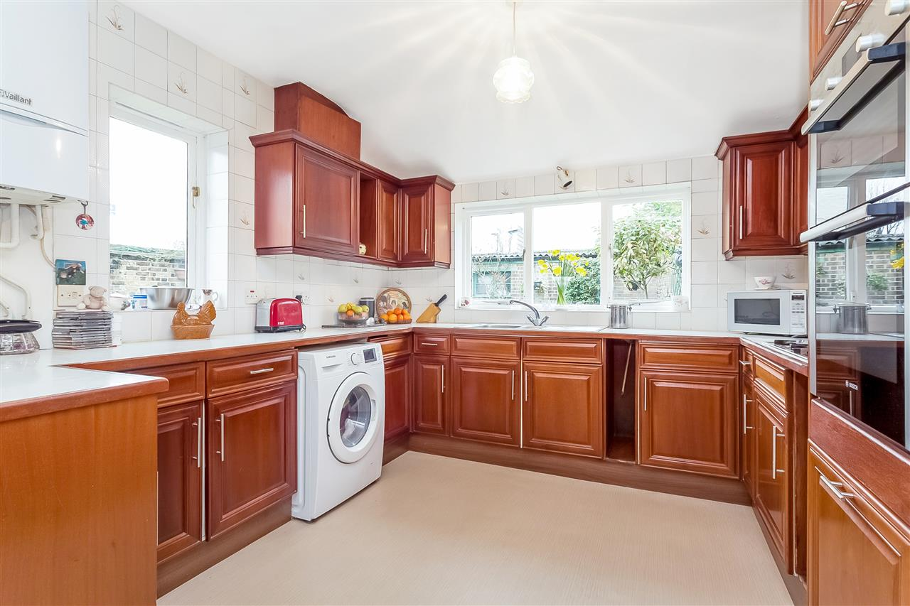 3 bed house for sale in Tytherton Road, London 6