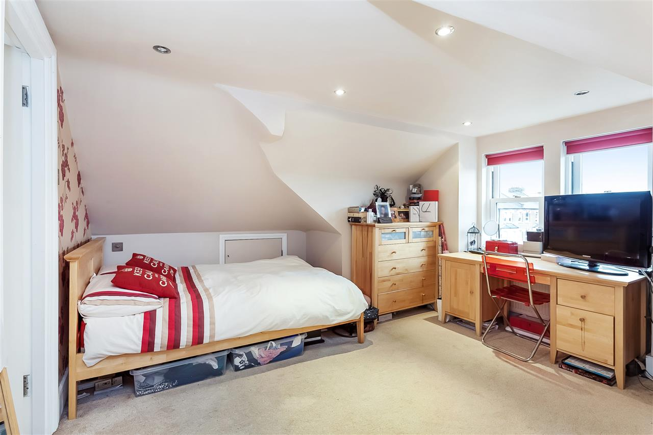 3 bed house for sale in Tytherton Road, London 9