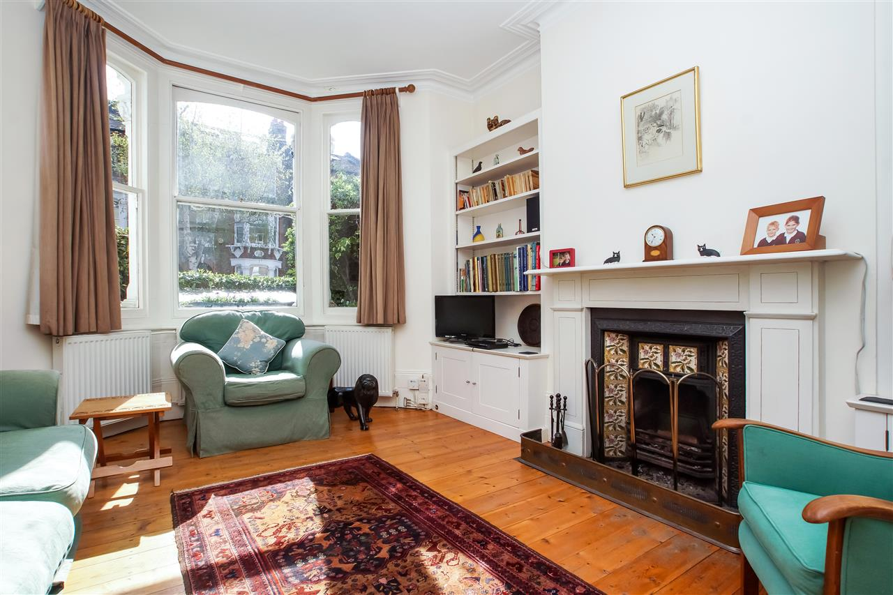 4 bed house for sale in Burghley Road, London 3