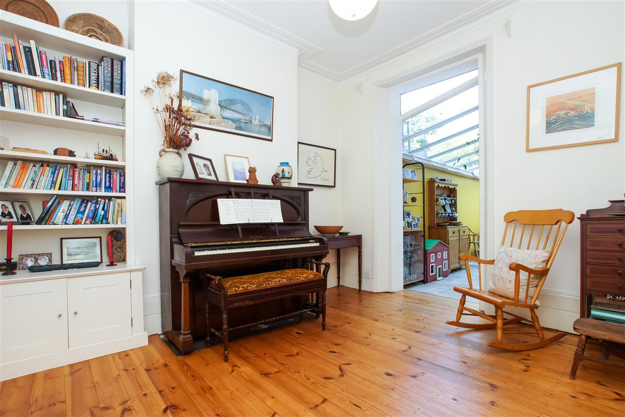 4 bed house for sale in Burghley Road, London 4