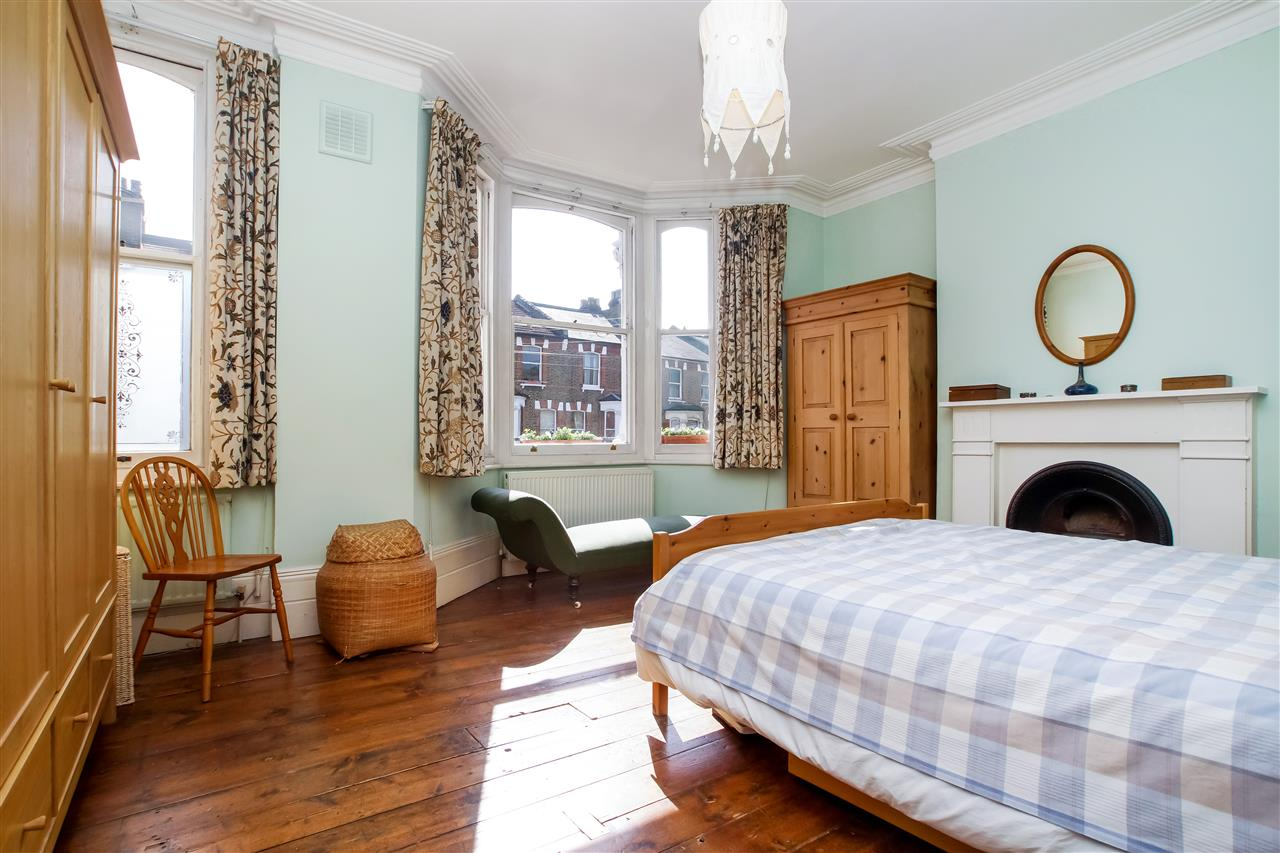 4 bed house for sale in Burghley Road, London 6