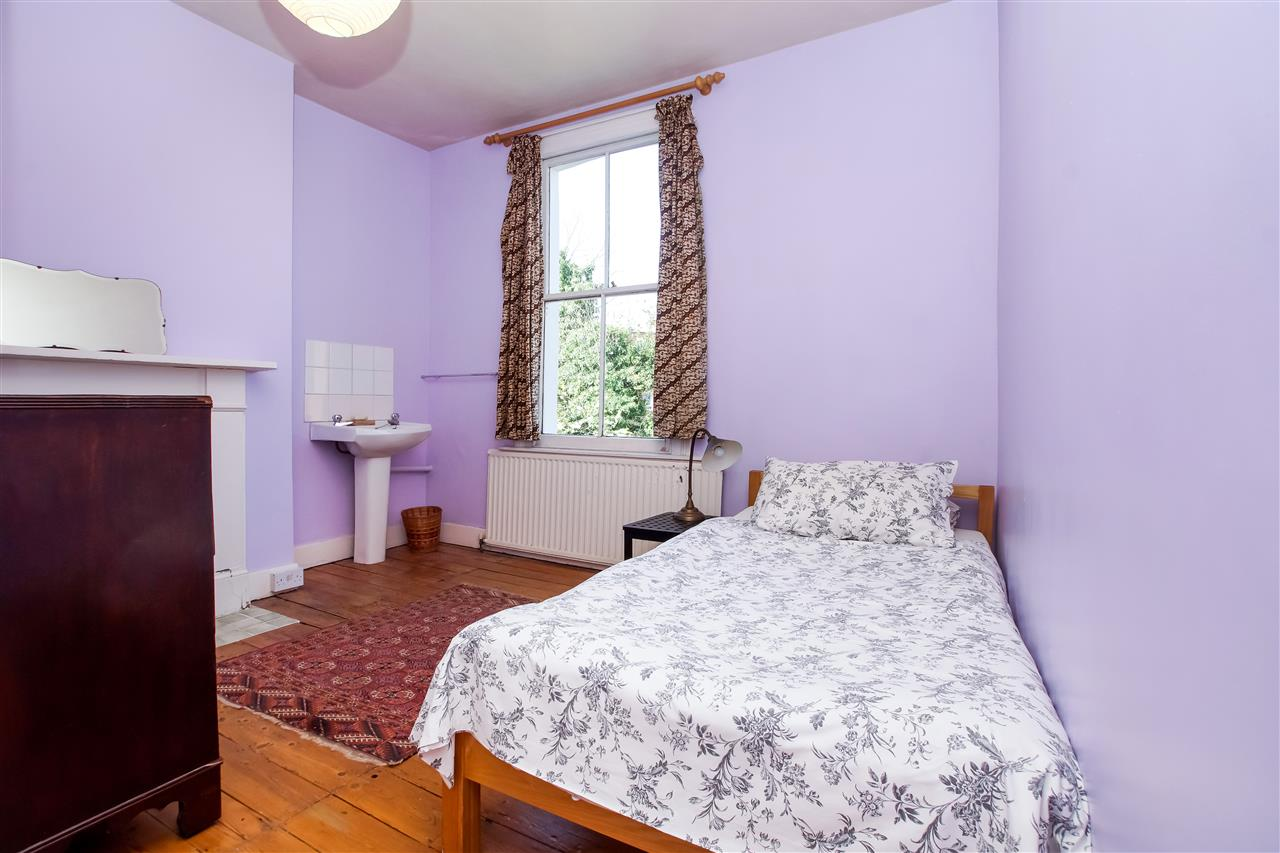4 bed house for sale in Burghley Road, London 9