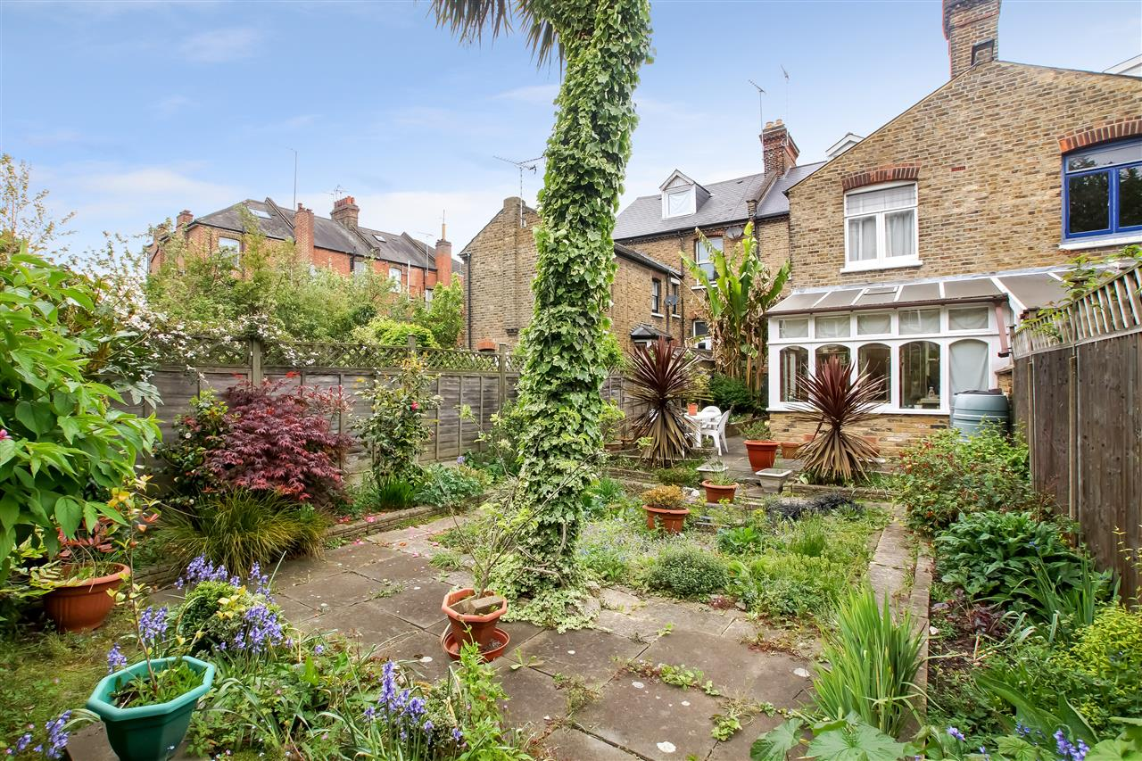5 bed house for sale in Tytherton Road, London 14