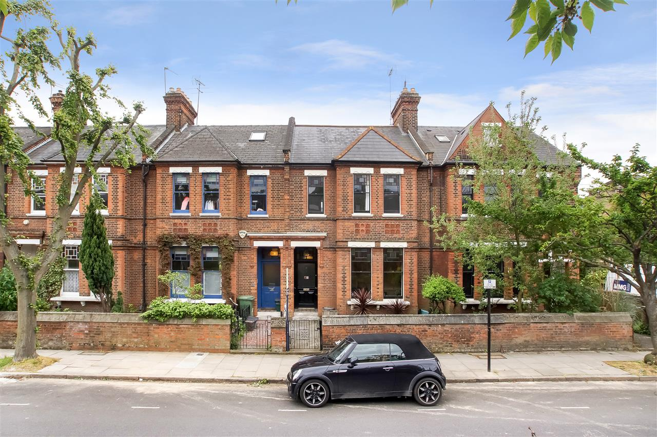 5 bed house for sale in Tytherton Road, London 15