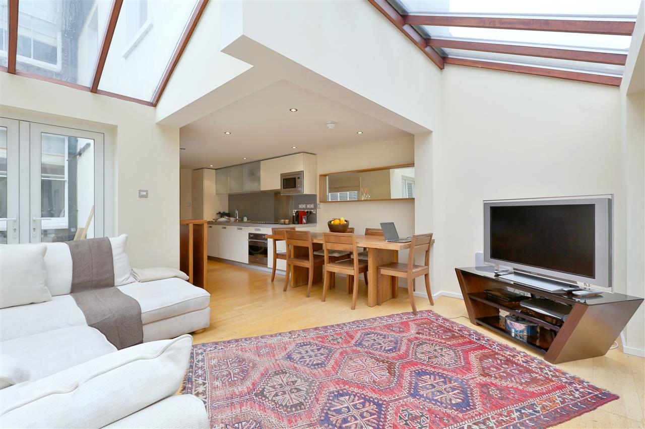 2 bed apartment for sale in Shelburne Road, London, N7