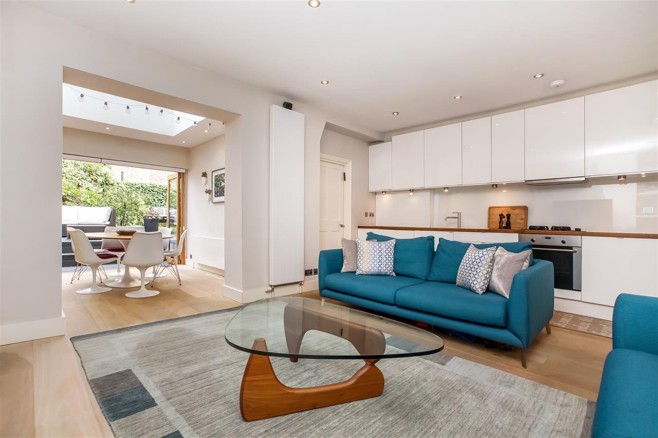 2 bed flat for sale in Lady Margaret Road, London, N19