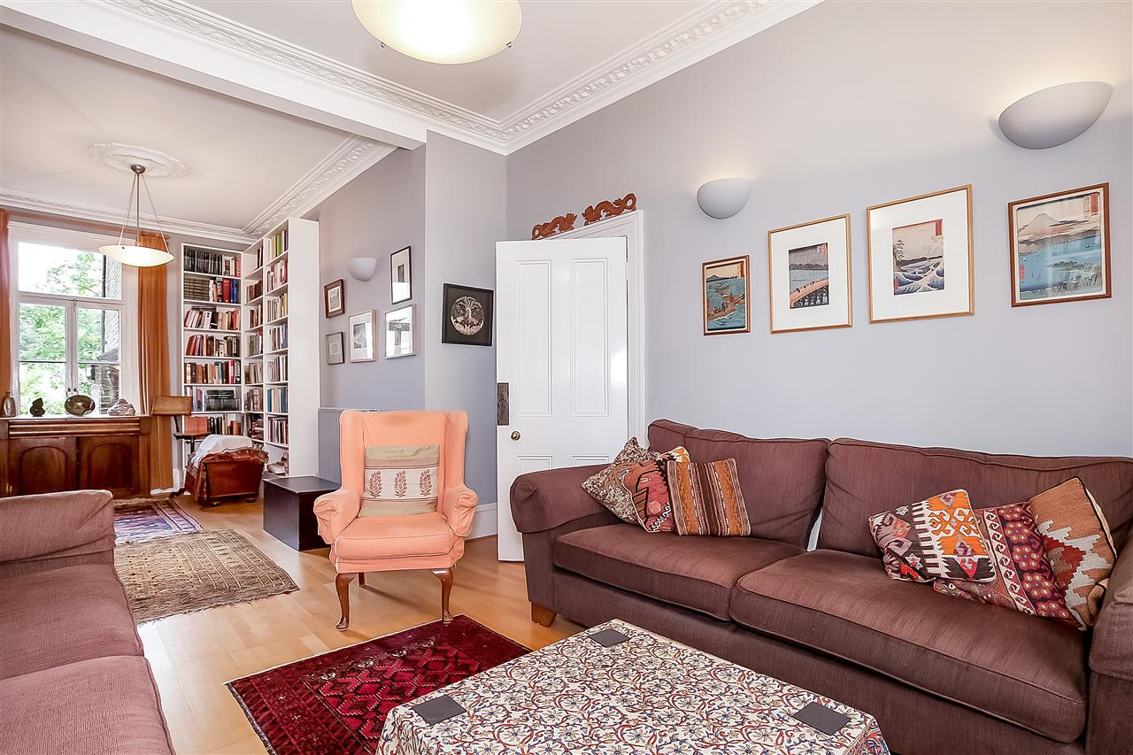 5 bed house for sale in Huddleston Road, London, N7