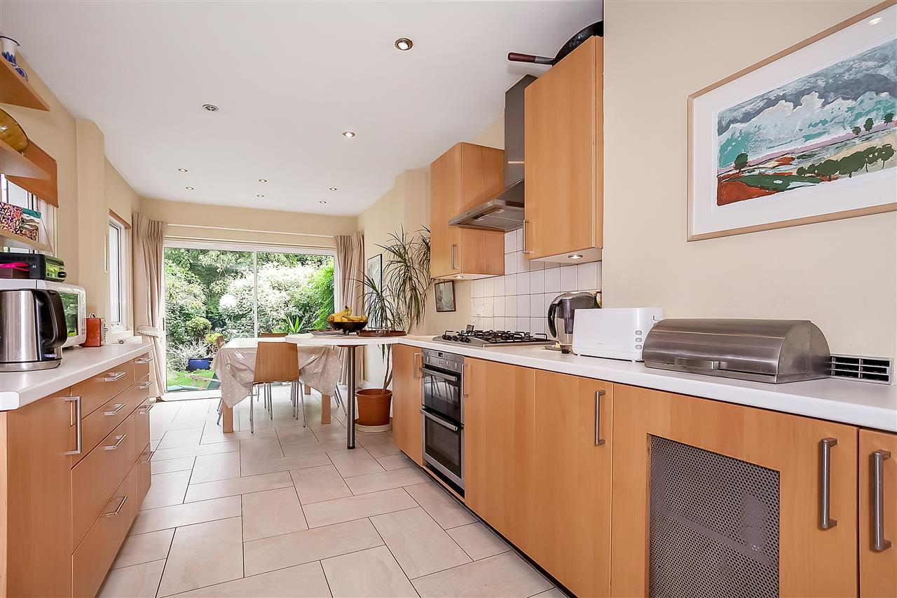 5 bed house for sale in Huddleston Road, London 5