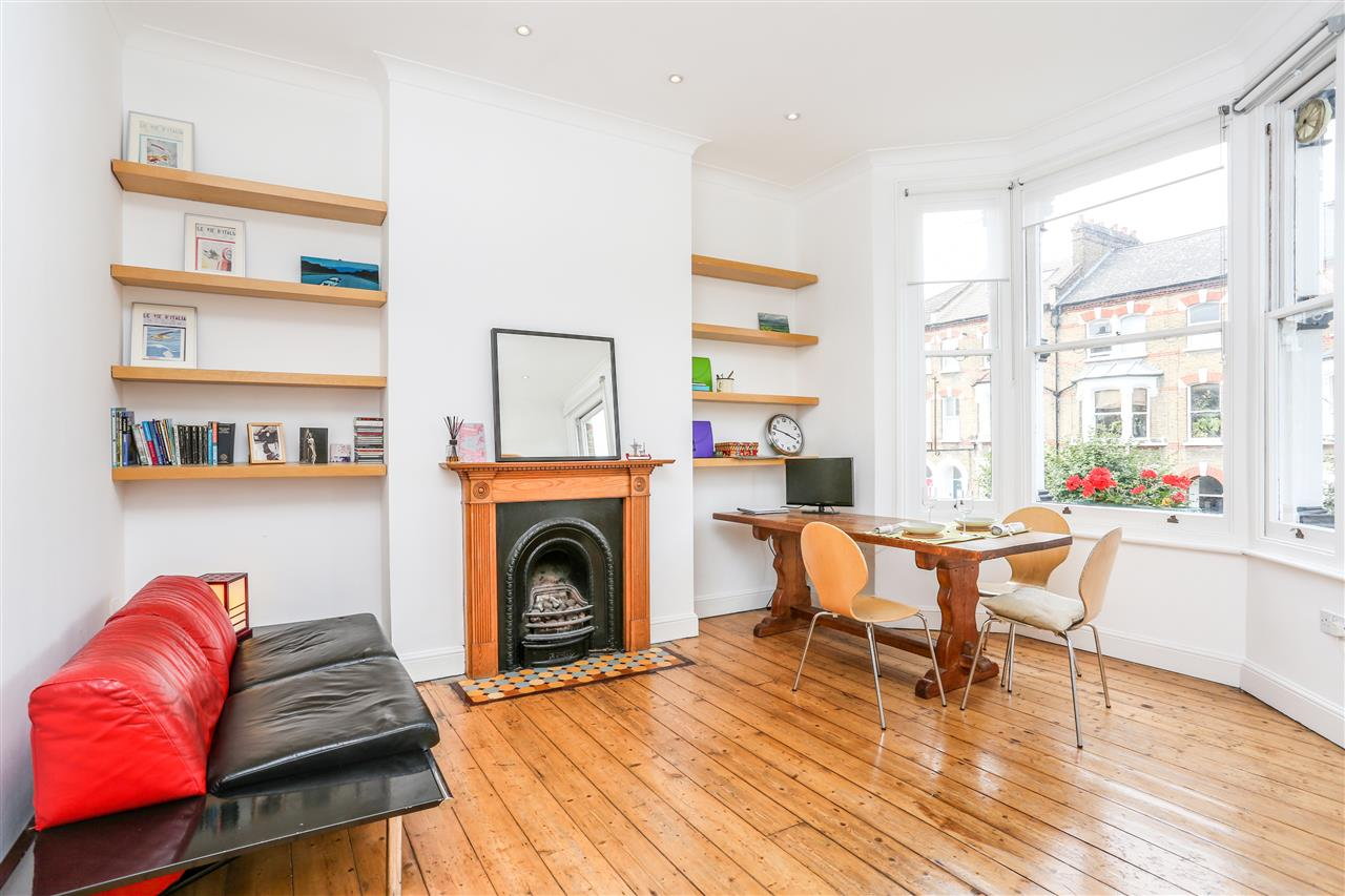 2 bed apartment for sale in Mercers Road, London, N19