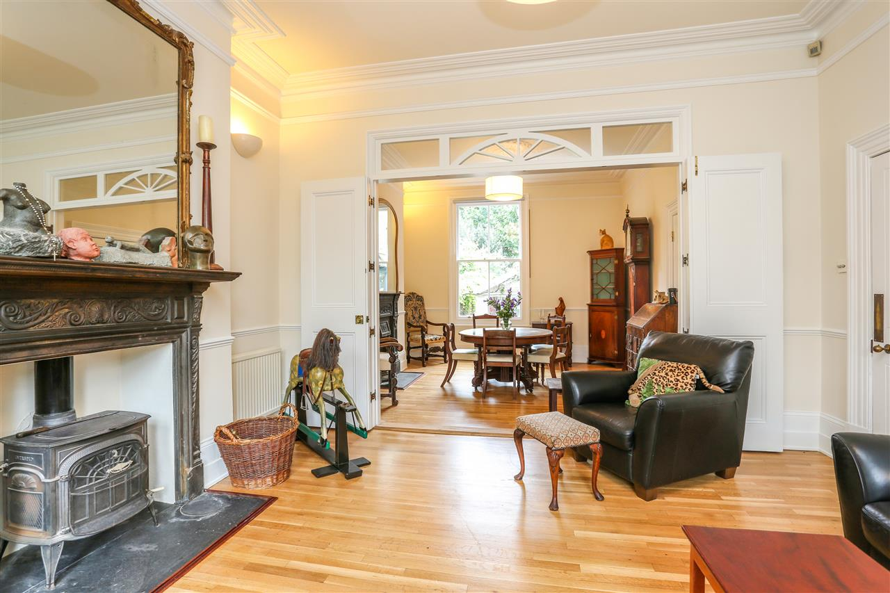 5 bed house for sale in Tytherton Road, London 4