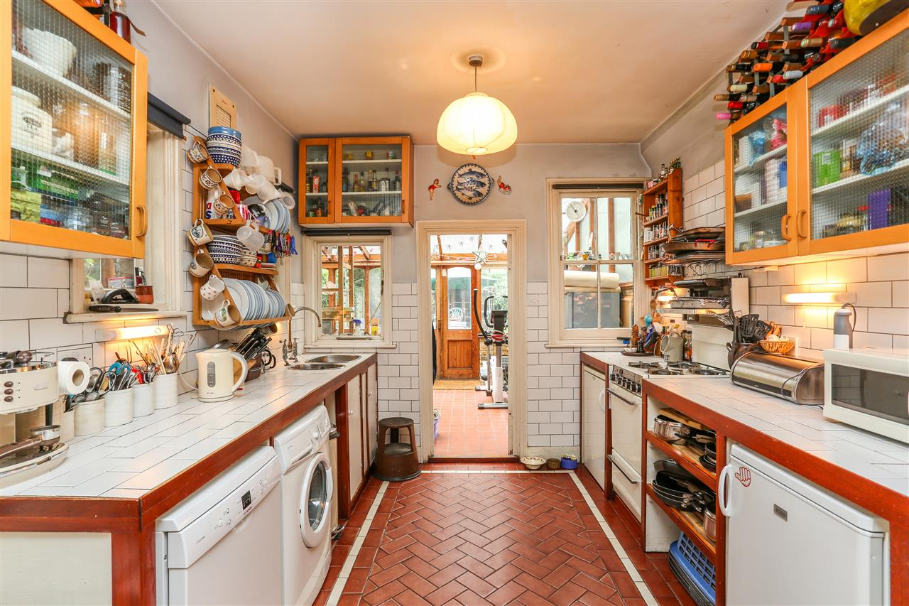 5 bed house for sale in Tytherton Road, London 6