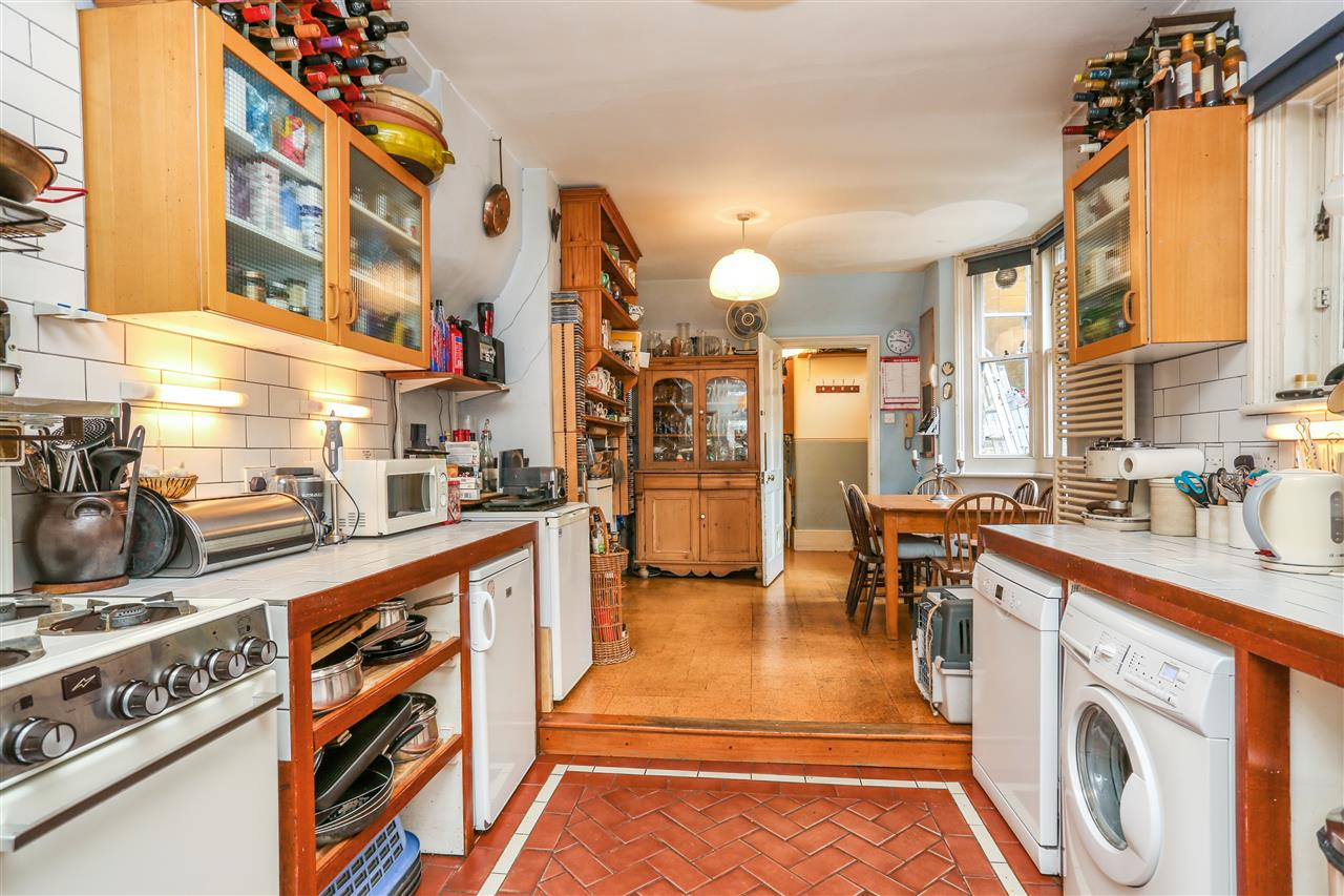 5 bed house for sale in Tytherton Road, London 7