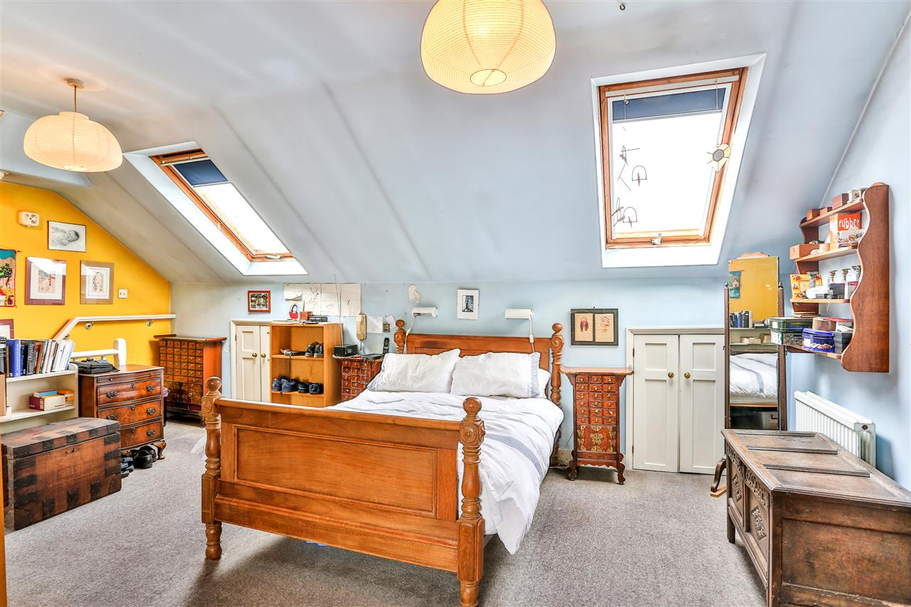 5 bed house for sale in Tytherton Road, London 9