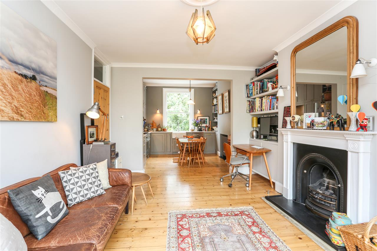 3 bed flat for sale in Campdale Road, London, N7