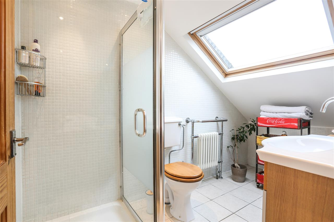5 bed house for sale in Tabley Road, London 13