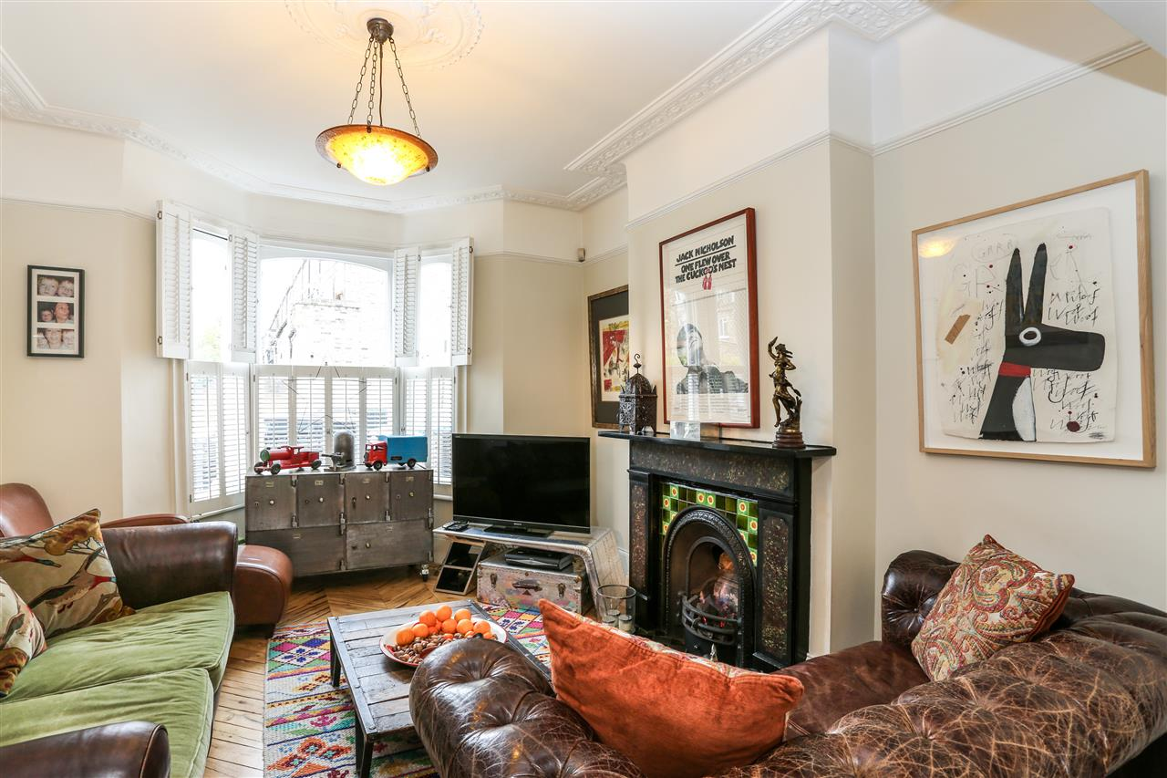 5 bed house for sale in Tabley Road, London 4