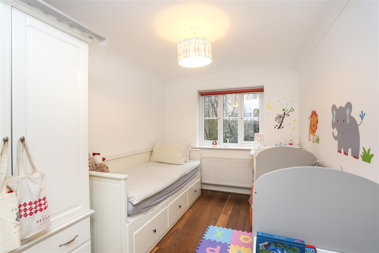 2 bed flat for sale in Goddard Place, London (ref ...