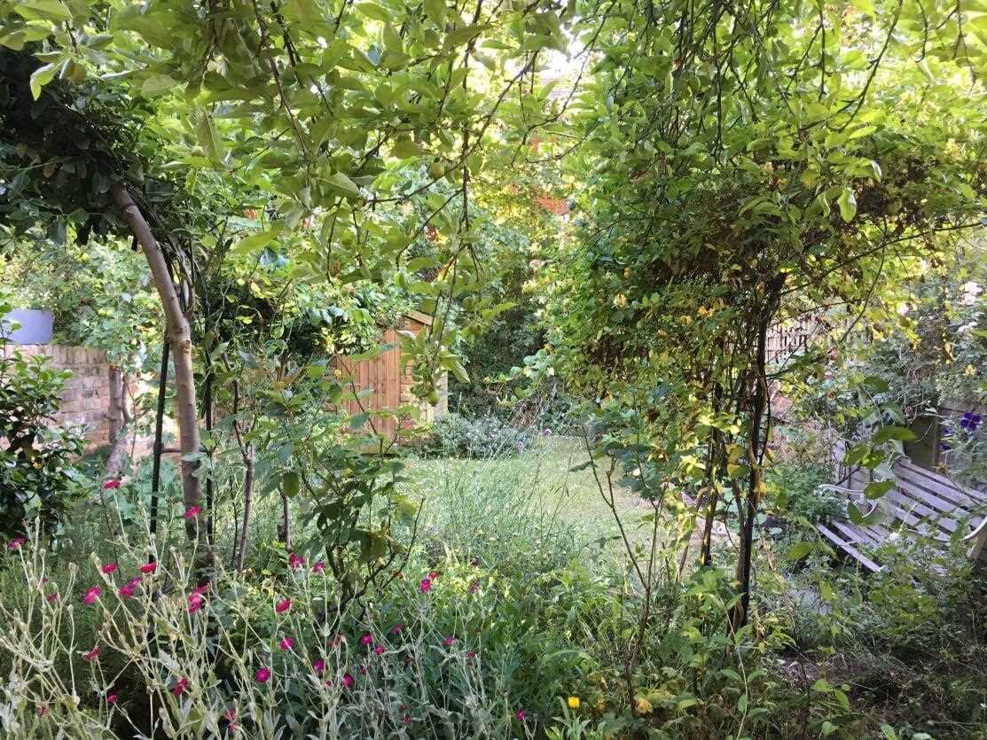 5 bed house for sale in Huddleston Road, London 14