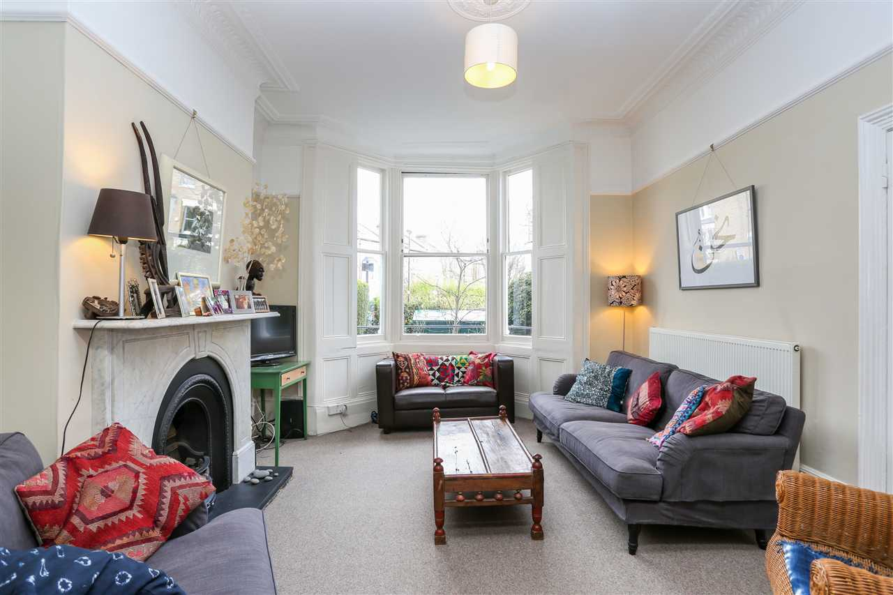 5 bed house for sale in Huddleston Road, London 6