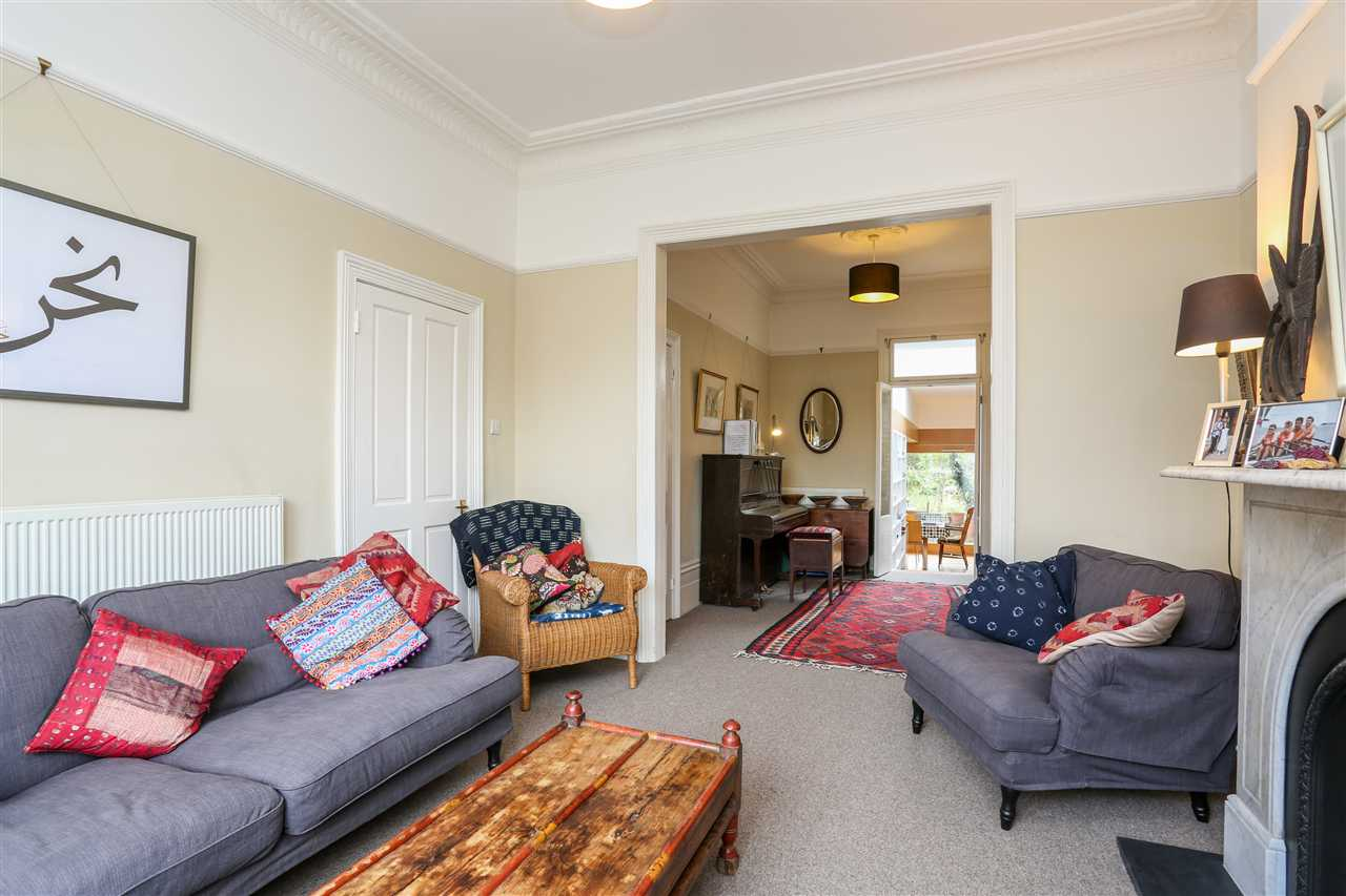 5 bed house for sale in Huddleston Road, London 7