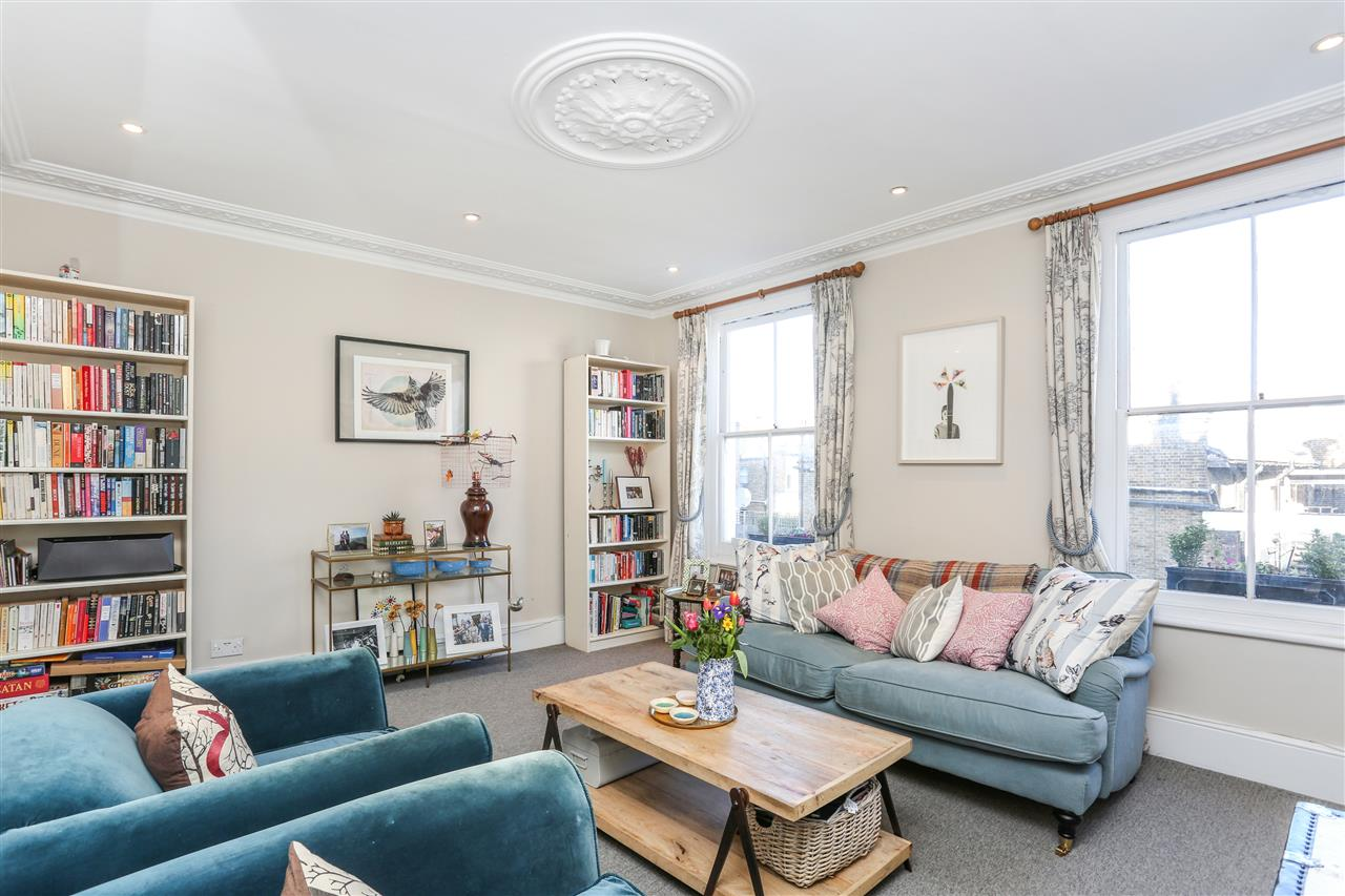 3 bed apartment for sale in Boothby Road, London, N19
