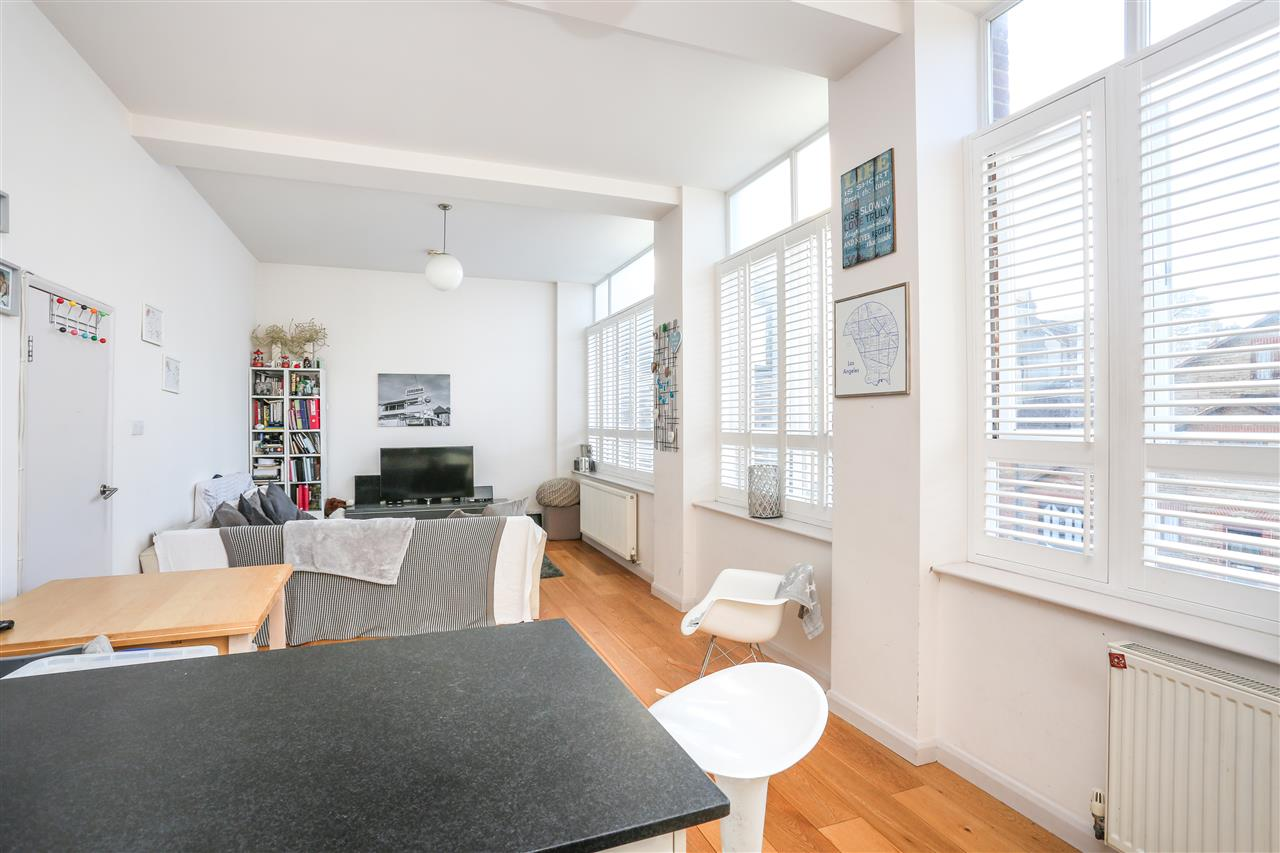 2 bed apartment for sale in Fairbridge Road, London, N19