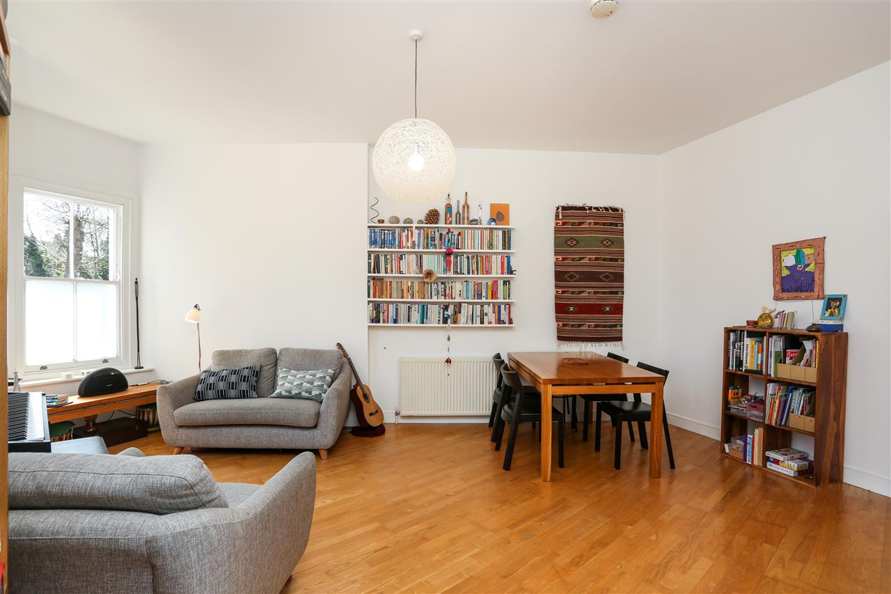2 bed flat for sale in Tabley Road, London (ref ...