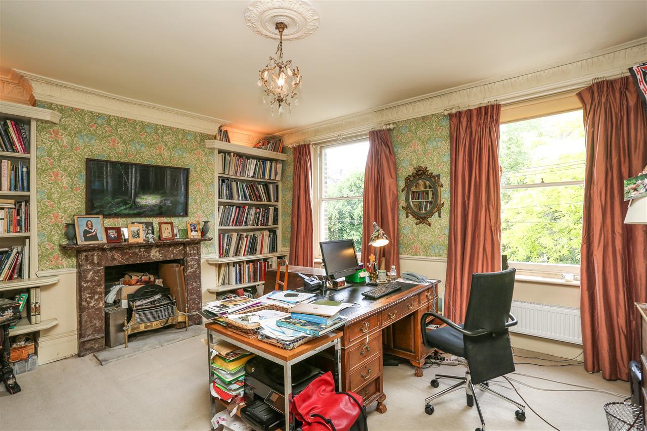 5 bed house for sale in Ospringe Road, London 10
