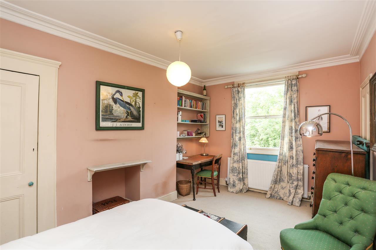 5 bed house for sale in Ospringe Road, London 11
