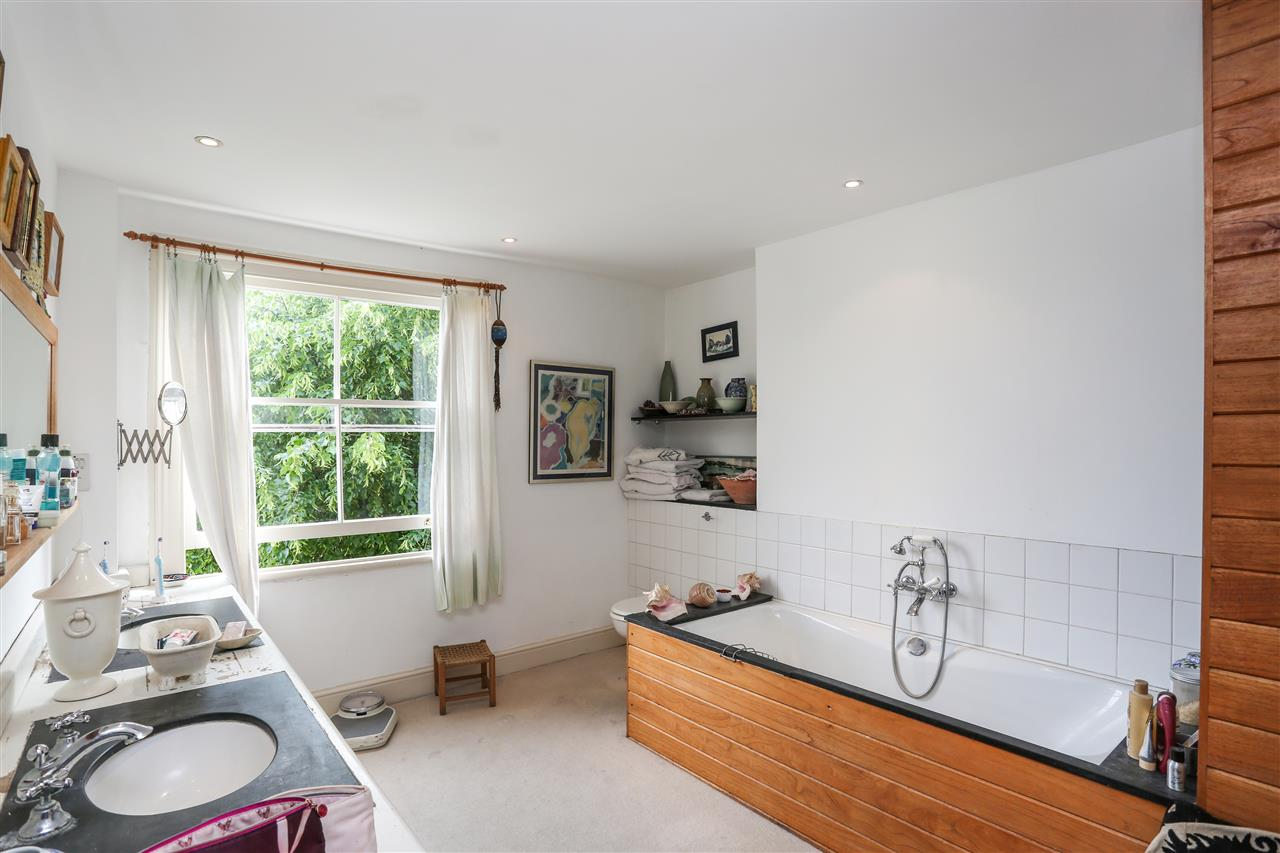 5 bed house for sale in Ospringe Road, London 12