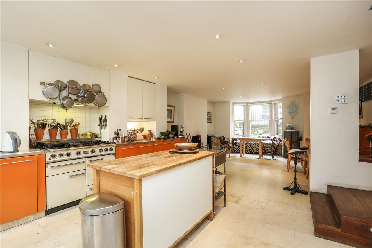 5 bed house for sale in Ospringe Road, London 3