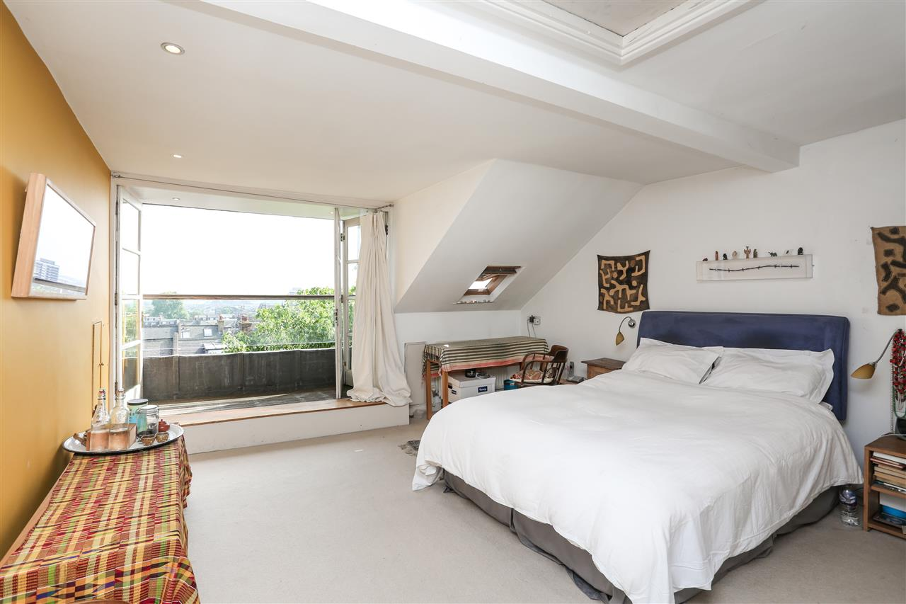 5 bed house for sale in Ospringe Road, London 9