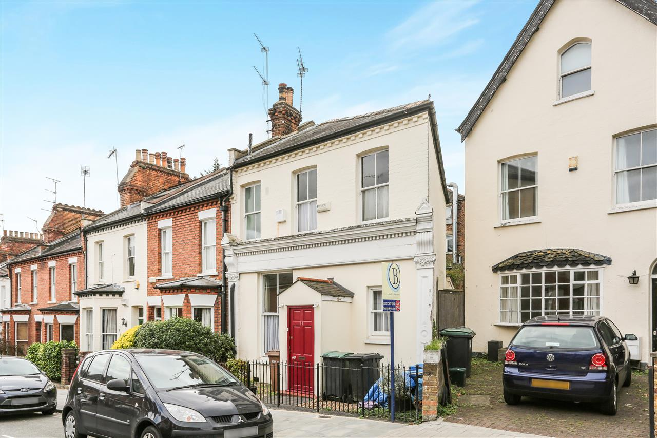 2 bed end-of-terrace for sale in Holmesdale Road, London, N6