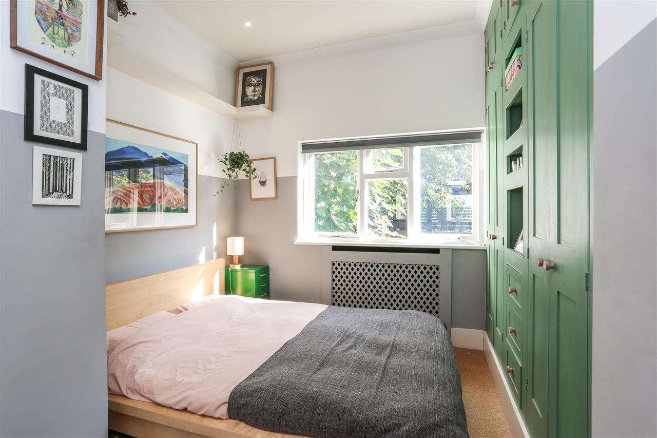1 bed apartment for sale in Landseer Road, London, N19