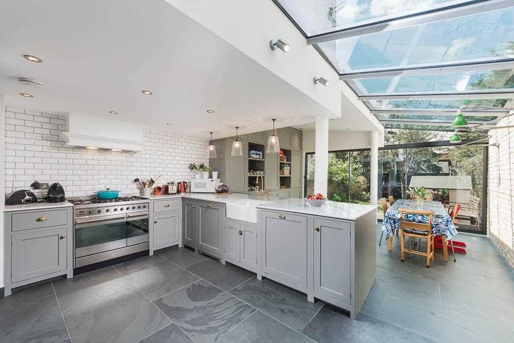 5 bed house to rent in Yerbury Road, London, N19