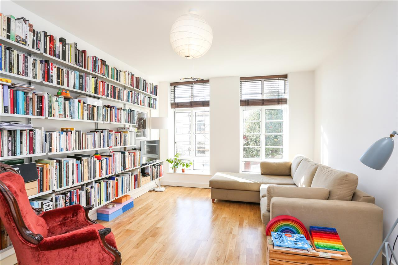 1 bed apartment for sale in Axminster Road, London, N7
