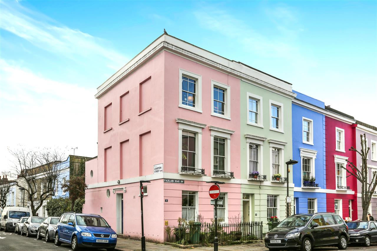 4 bed house for sale in Falkland Road, London, NW5