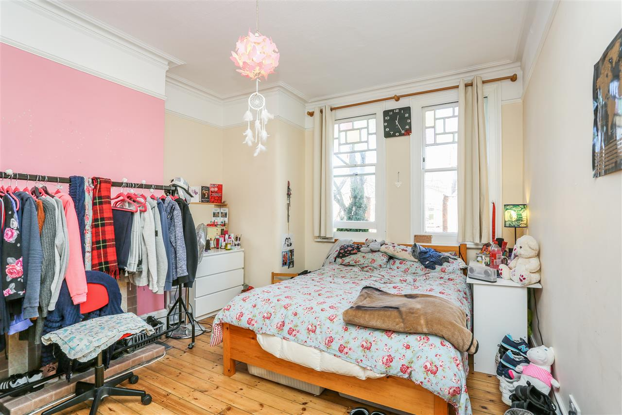 5 bed house for sale in Tytherton Road, London 10