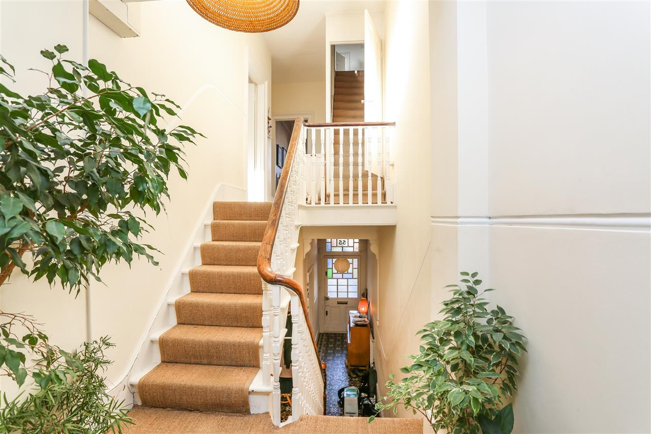 5 bed house for sale in Tytherton Road, London 8