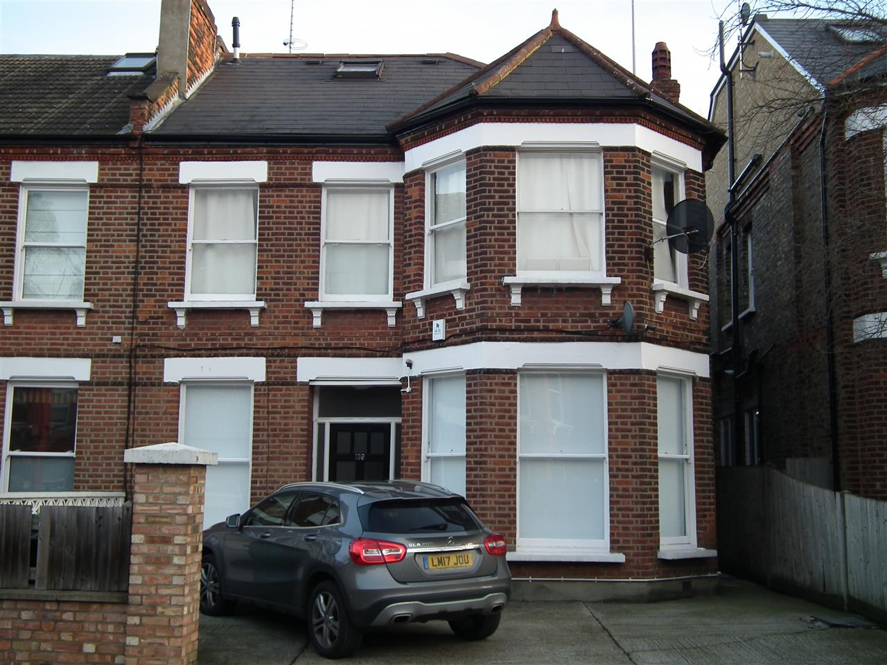 4 bed flat to rent in Fordwych Road, London, NW2