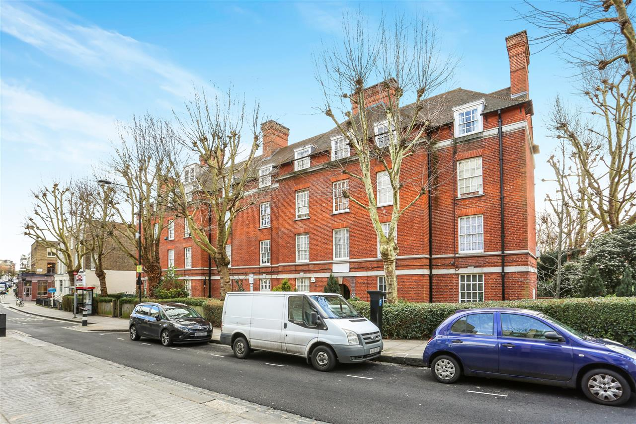2 bed apartment for sale in Chester Road, London, N19