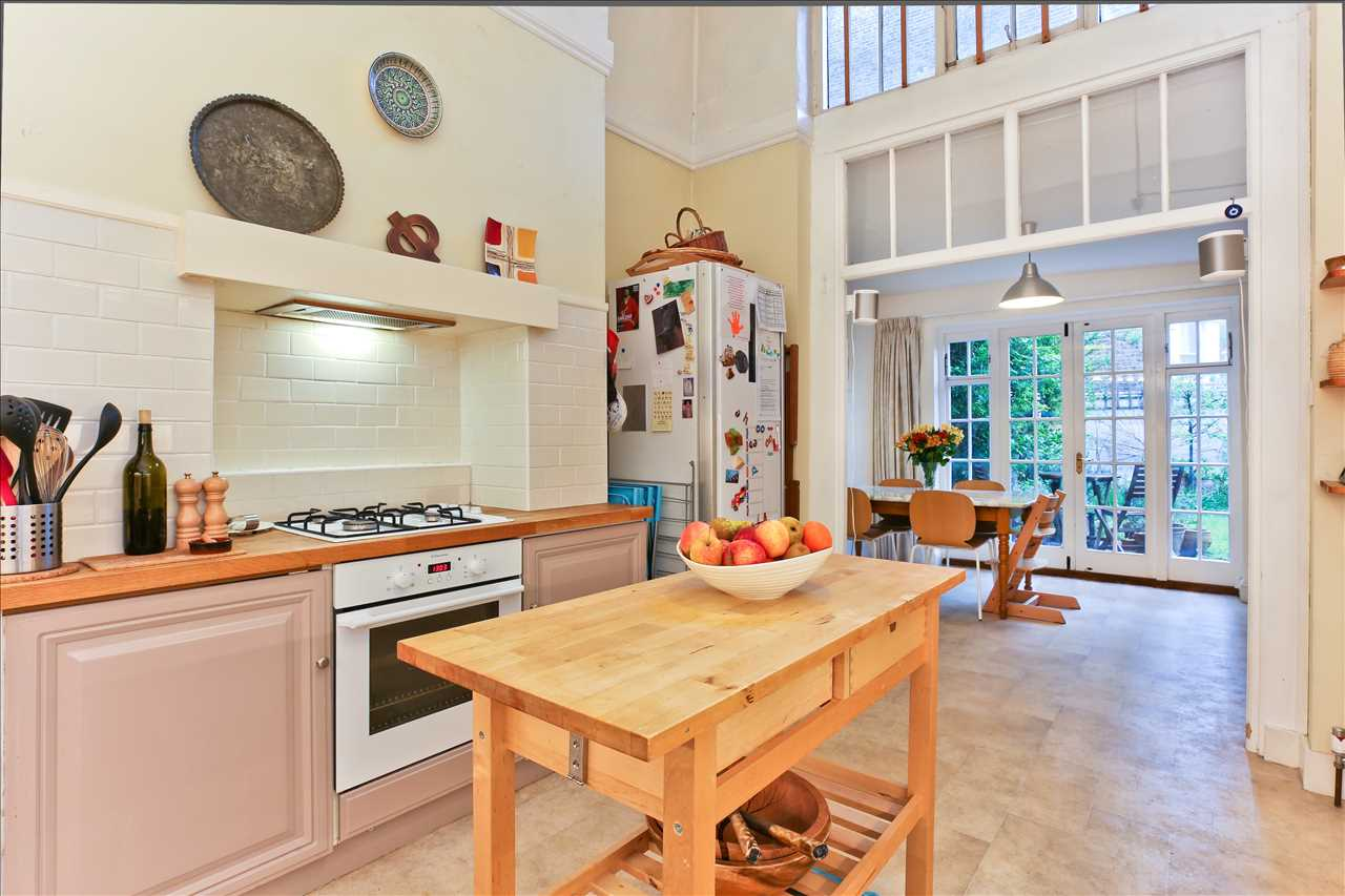 2 bed apartment for sale in Fairmead Road, London, N19