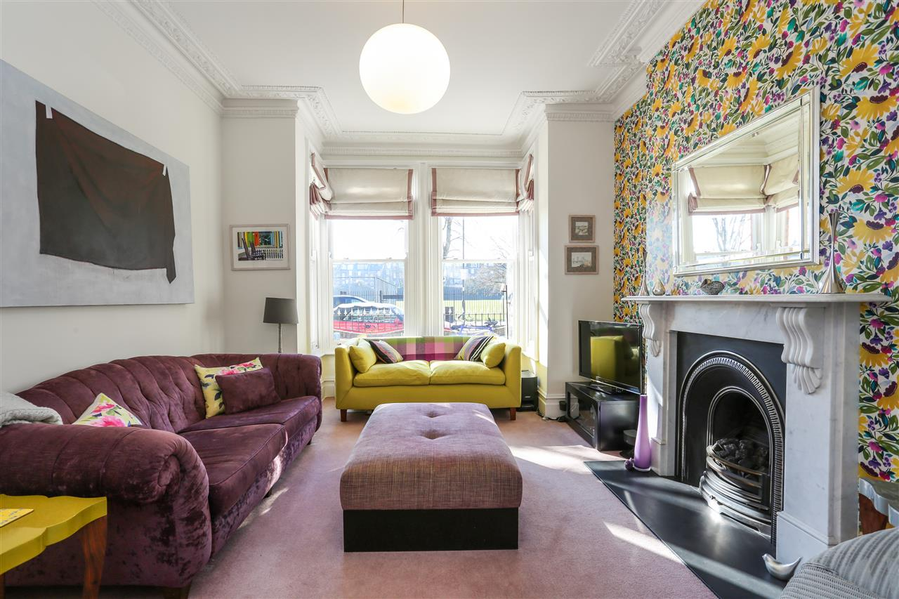 6 bed terraced for sale in Campdale Road, London, N7