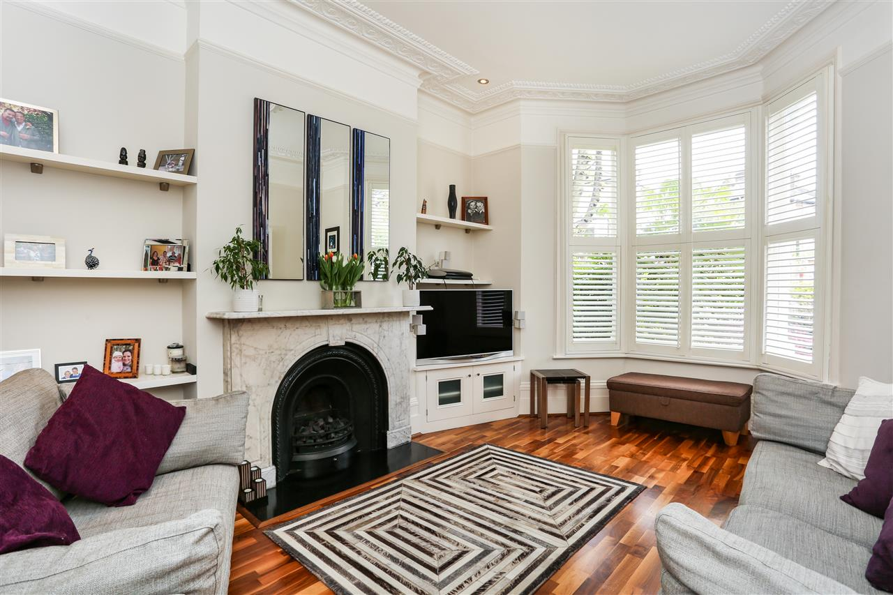 4 bed house for sale in Huddleston Road, London 4