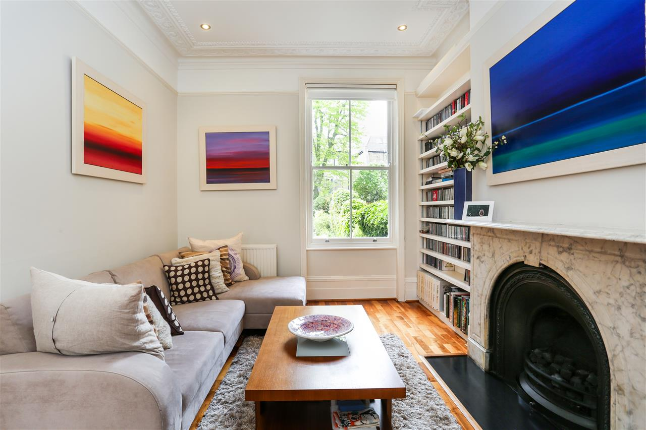 4 bed house for sale in Huddleston Road, London 5