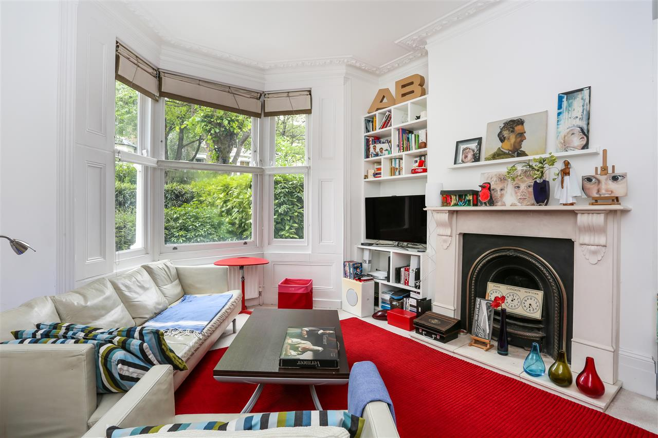 4 bed house for sale in Huddleston Road, London 2